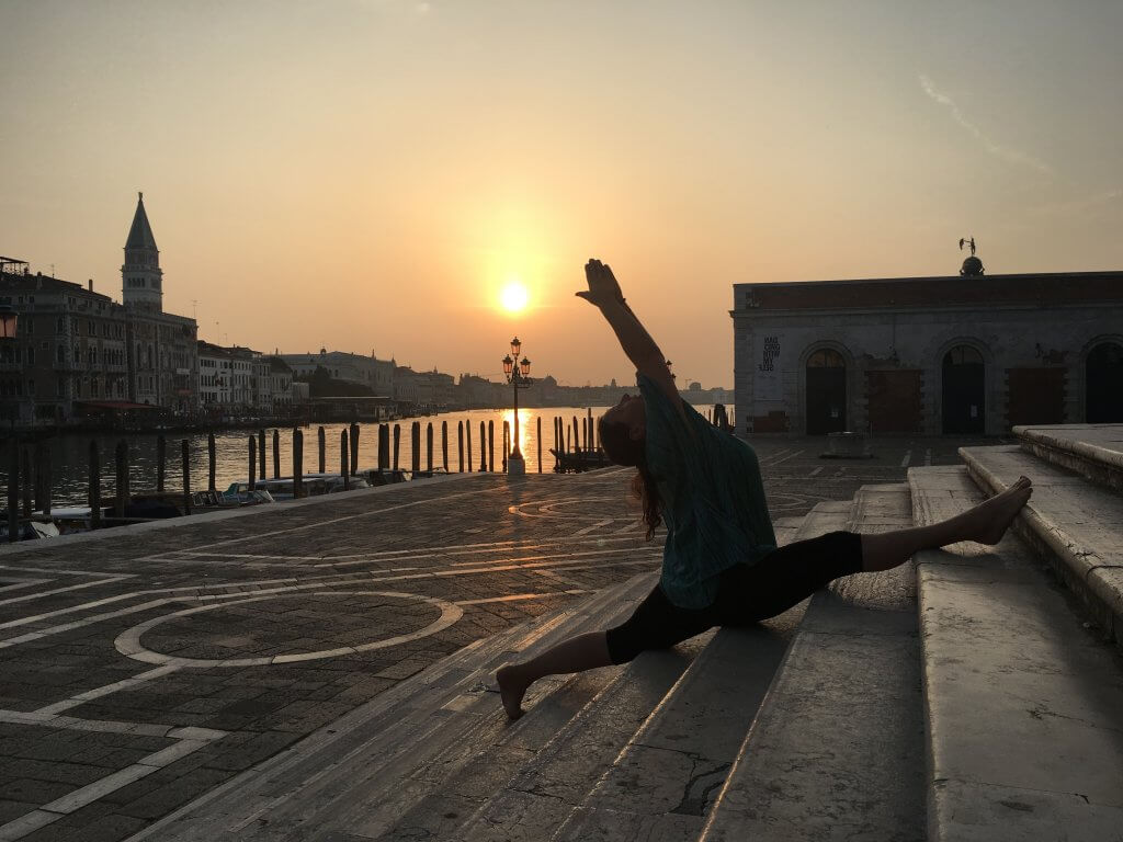 Hanumanasana_yoga_valentina_silvestri